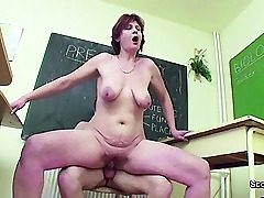 Girl Tutor display Youthful How lady get preggie